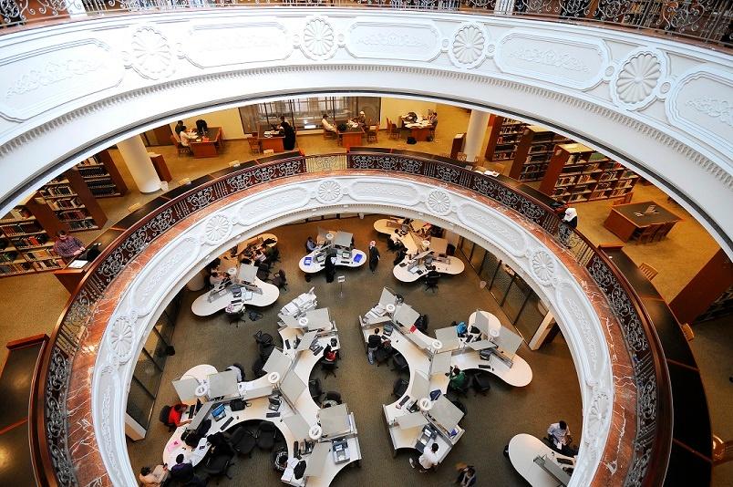 American_University_of_Sharjah_Library_11-2.jpg