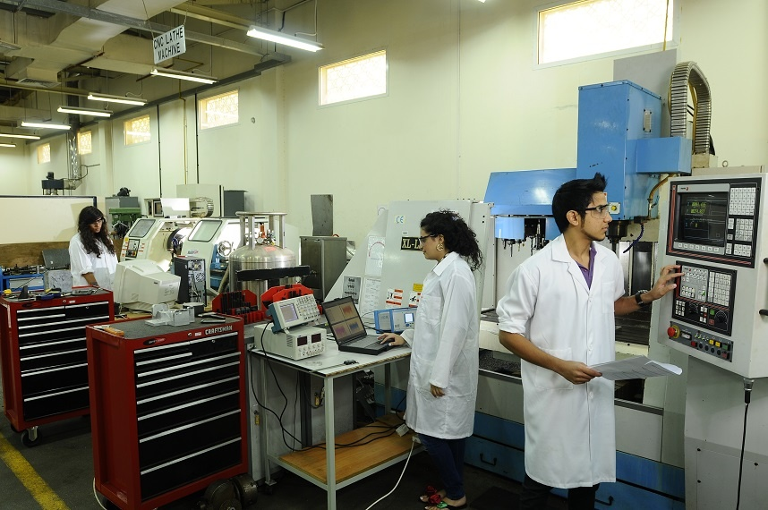 American_University_of_Sharjah_STEM_5.jpg